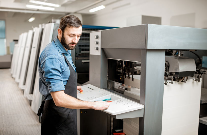 Print management software for controlling print jobs and the entire print production process